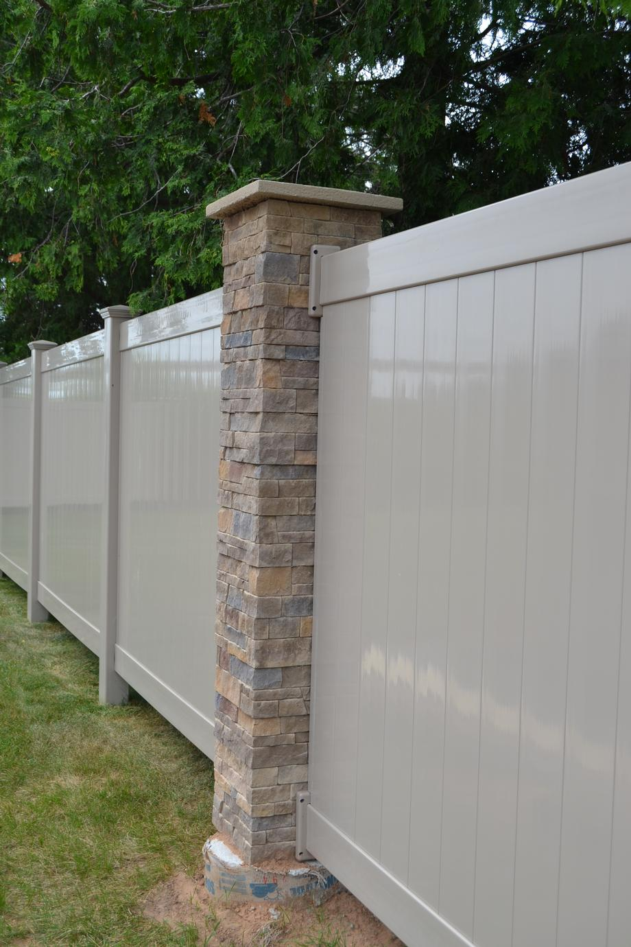 Vinyl fencing in Abbotsford, WI