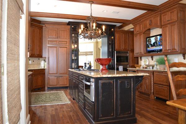 Look! Custom Kitchen cabinets in Marshfield, WI