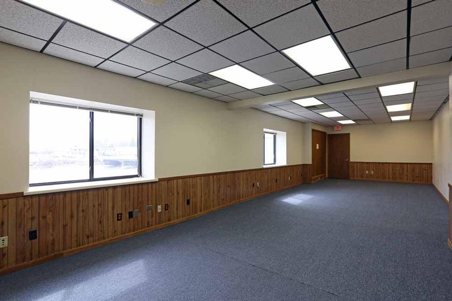 Suite 3 - Meeting Room
