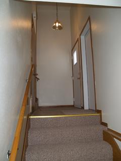 Foyer (garage to upper floor)