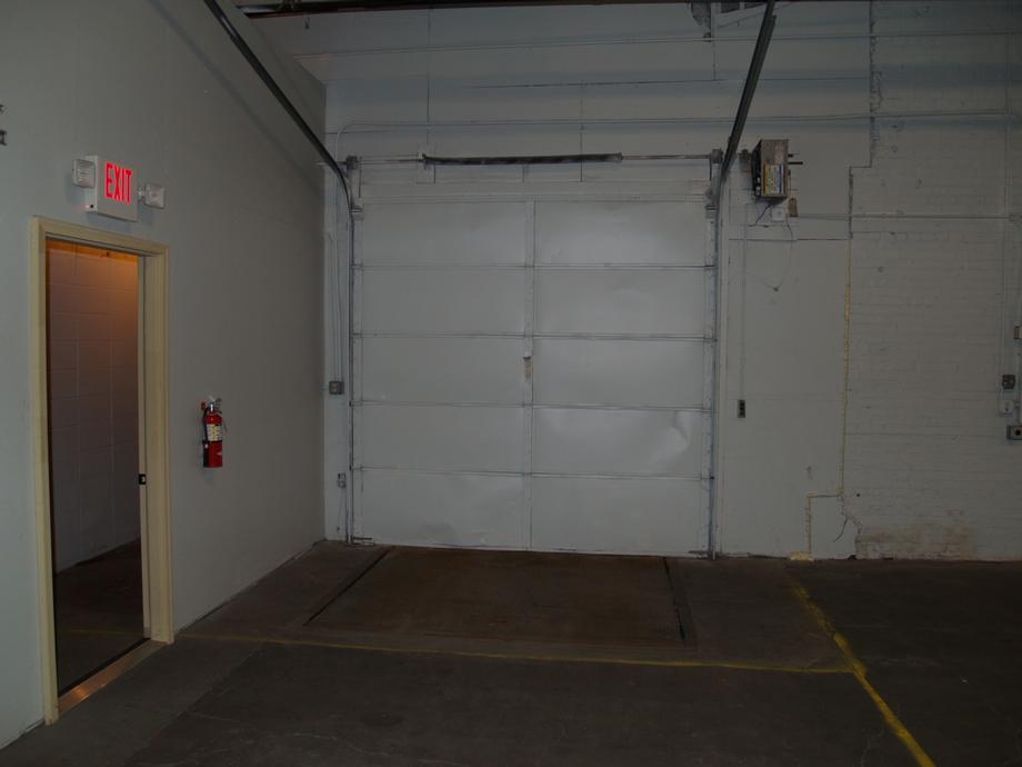 Section 3-3, Dock Door