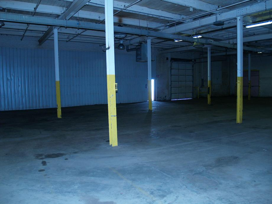 Section 7 - 401 Battery Street,  Interior