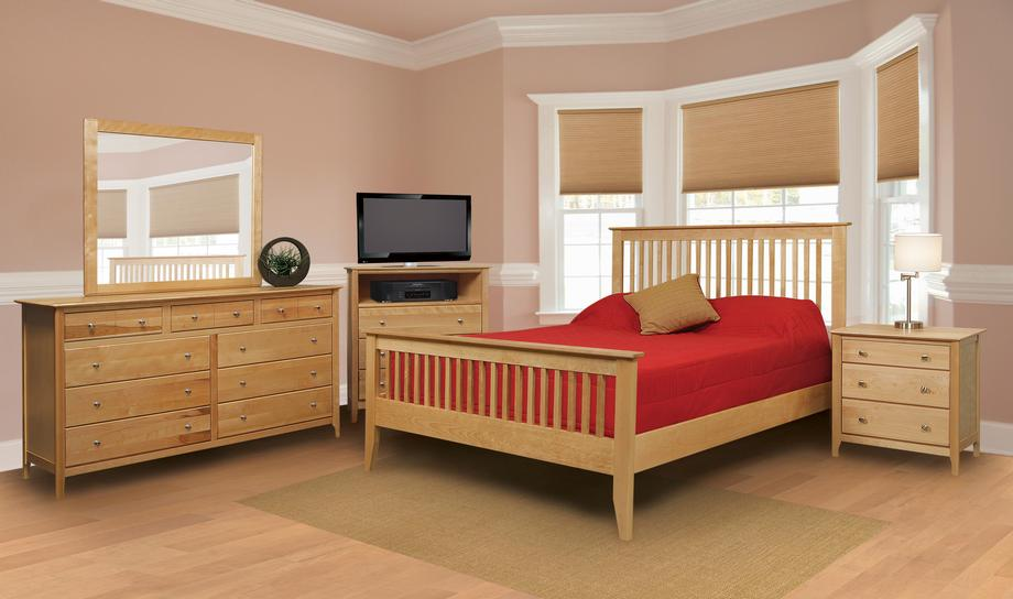 Stratford Slat Bed in Queen