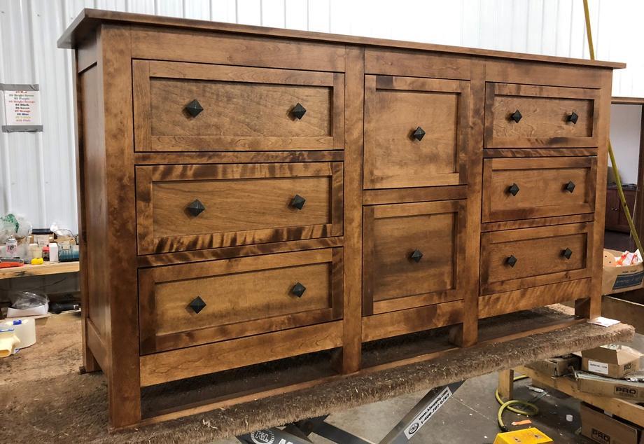 D128 Dresser in Birch #14 W/M5 Knobs